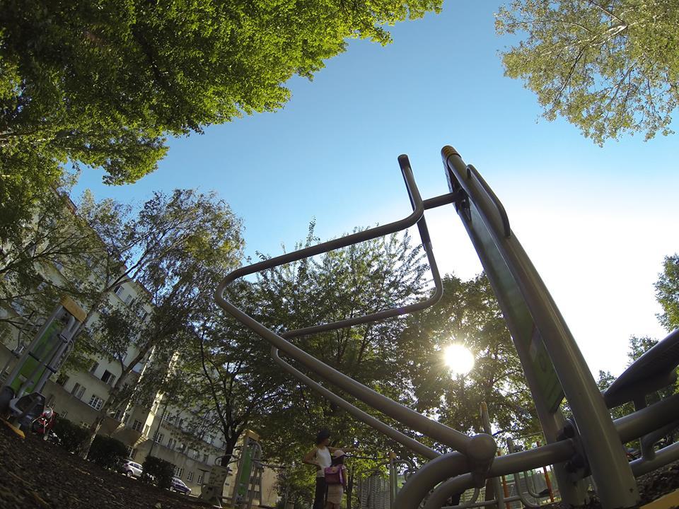 Anton Kummer Park Denispark Trainingspark ISW Vienna Austria Österreich Wien Brigittenau Barren
