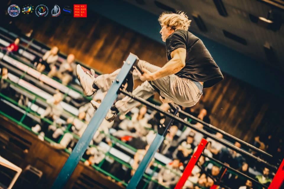 europameisterschaft-oleksii-odnolkin-european-street-workout-champion-cheep-2014-eine-uebung