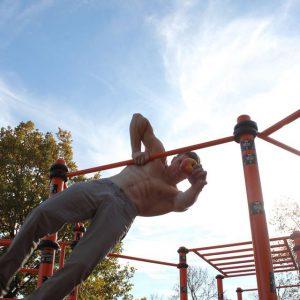 Freiluft Workout mit WIG und ISW Apfelhaltung - Genau kostenlose Motivation - Gratis Training – sicher inklusive Tricks - Fitness - Calisthenics - Vienna Österreich - Austria Wien