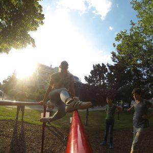 ISW Event - Das Fest der Nachbarschaft - Übung für Koordination - ultimativ überraschende Wahrheit - Motivation - sicher Experte - Gratis Training - Fitness - Calisthenics - Street Workout - Vienna Österreich - Austria Wien