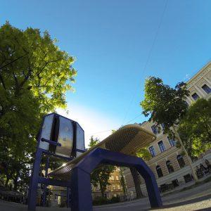 Henriettenplatz - Sportplatz - Trainingspark ISW - Vienna Austria - Österreich Wien Rudolfsheim-Fünfhaus - Bank für Training von Bauchmuskeln - Großartig - Überraschende Wege – sdicher lebenslange Motivation mit Wahrheit – jetzt Fitness - Calisthenics – outdoor Sportplatz