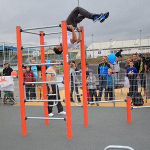 Eröffnung des Sportplatzes für Jugendliche - Am Anfang der Sportplatzeröffnung - Vienna Österreich - Austria Wien - Motivation - Gratis Training - Street Workout - Calisthenics - Fitness - GroßartiG