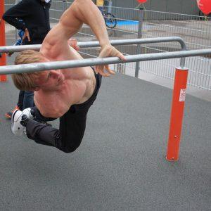 Eröffnung des Sportplatzes für Jugendliche - GimBarr an Barren - Vienna Österreich - Austria Wien - Motivation - Gratis Training - Street Workout - Calisthenics - Fitness - GroßartiG