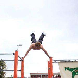 Eröffnung des Sportplatzes für Jugendliche - Senkung zu Planche - Vienna Österreich - Austria Wien - Motivation - Gratis Training - Street Workout - Calisthenics - Fitness - GroßartiG