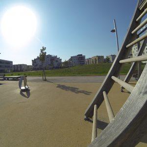 Hannah Arendt Park - Trainingspark ISW - Vienna Austria - Österreich Wien Donaustadt - schiefe Sprossenwand - Großartig - Überraschende Wege – sdicher lebenslange Motivation mit Wahrheit – jetzt Fitness - Calisthenics – outdoor Sportplatz