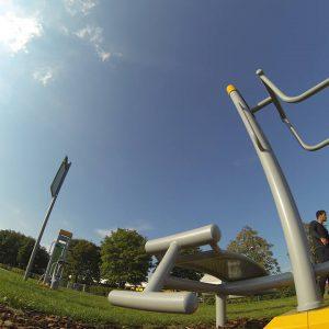 Flohberg - Trainingspark ISW - Vienna Austria - Österreich Wien Meidling - Bank für Training von Bauchmuskeln - Motivation - Gratis Training - Street Workout - Calisthenics - Fitness - GroßartiG