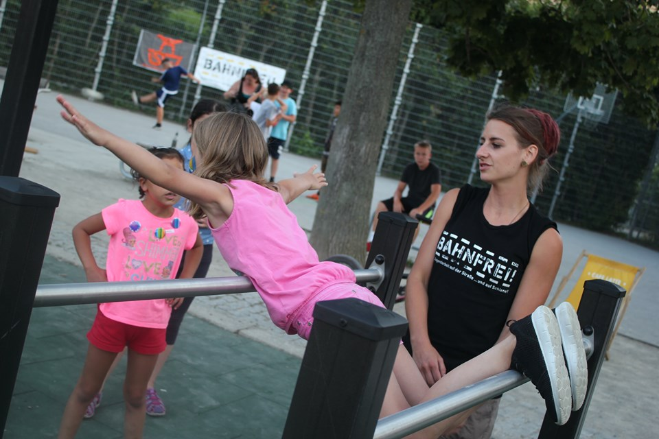 Nachbarschaftsfest in Floridsdorf mit ISW - International Street Workout - Love, Peace & Happyness