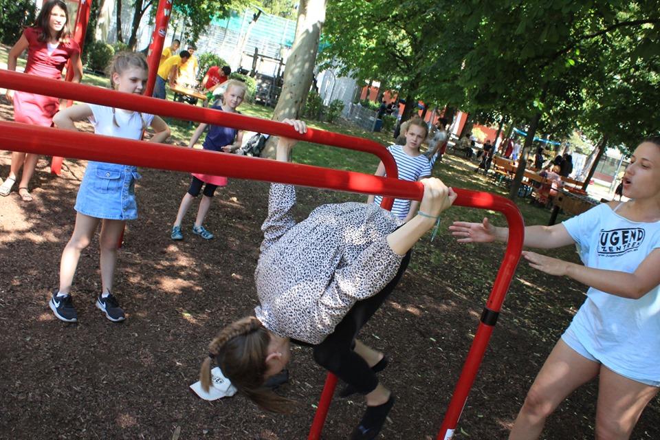 Nachbarschaftsfest in Ottakring mit ISW - International Street Workout - Je kleiner der Kopf, je größer der Zopf