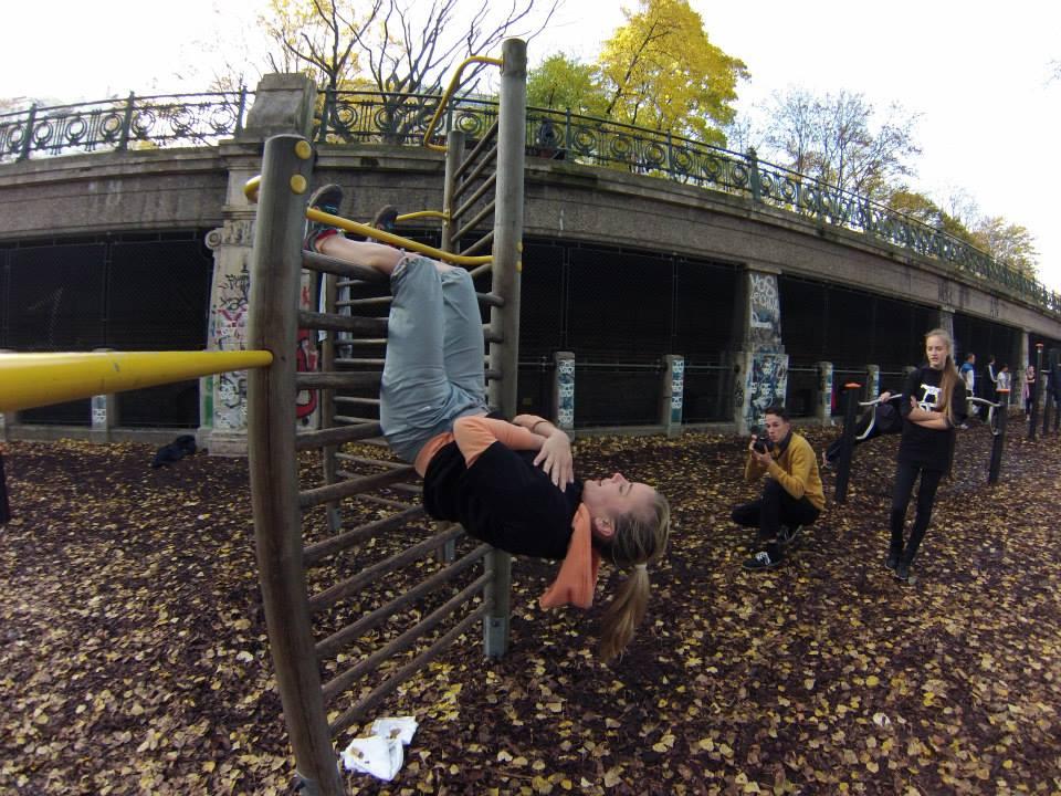 International Street Workout ISW - Vienna Austria - Roßauer Lände - Training - Des Mädchens Glück ist Ruhe und Gelassenheit; des Jünglings Glück - Bewegung und Verwegenheit