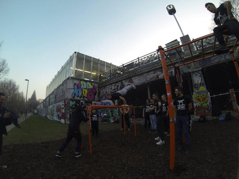 International Street Workout ISW - Wien - Vienna Austria - Roßauer Lände - Training - Calisthenics - Die bedauernswertesten Menschen sind die, die Pflichtgefühl besitzen, aber nicht die Kraft, ihm zu genügen