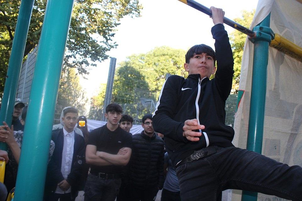 =) ISW Event in Favoriten - International Street Workout - Calisthenics - Wer nie über sich hinauswächst, wird nie Größe zeigen können