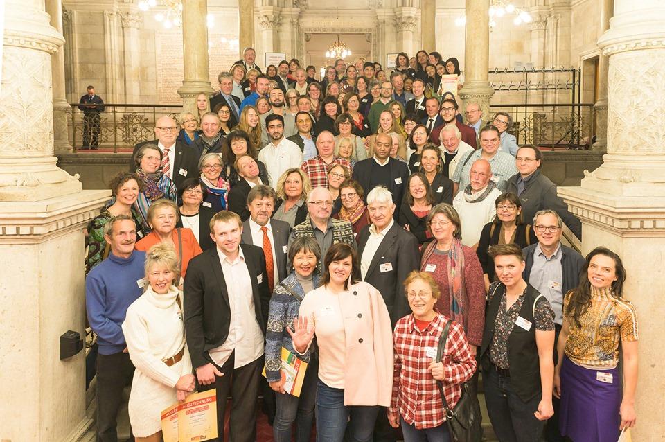 ISW + WIG Vorhang auf! für Ihre Gesunde Idee) - Wappensaal Rathaus - Gruppenfoto - ISW - WIG - Wien Gesundheitsförderung mit gedeihlicher Gemeinschaft