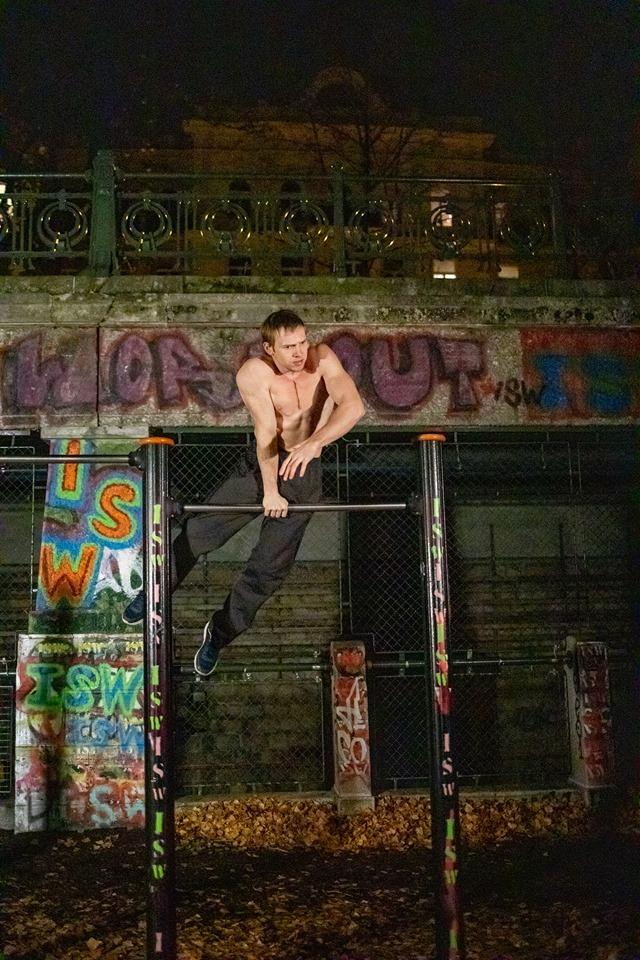 Der Mensch ist das Tier, das Geschichte hat - Oleksii Odnolkin - ISW - Street Workout - Calisthenics - International - Motivation - Vienna - Austria - Österreich - Wien - Roßauer Lände - Training - Outdoor - Gratis - Gemeinsam - Gewiss