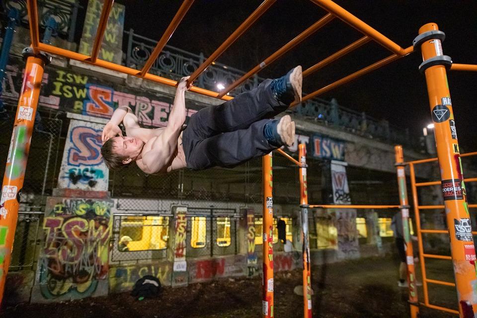 Jeder geliebte Gegenstand ist Mittelpunkt eines Paradieses - Oleksii Odnolkin - ISW - Street Workout - Calisthenics - International - Motivation - Vienna - Austria - Österreich - Wien - Roßauer Lände - Training - Outdoor - Gratis - Gemeinsam - Gewiss