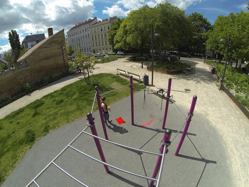 Braunhrschenpark -Trainingspark ISW - Vienna Austria Österreich Wien - Rudolfsheim-Fünfhaus Sechseckige Konstruktion